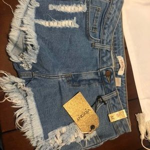 Woman's jean shorts